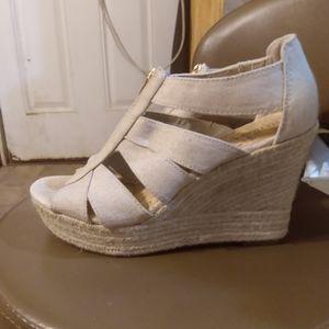 Zipper tan wedged heels